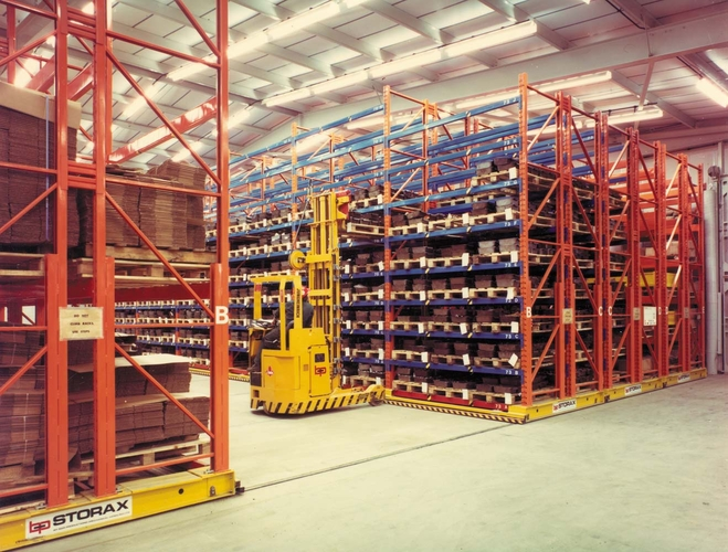 Mobile pallet racking products spaceway for Movable pallets