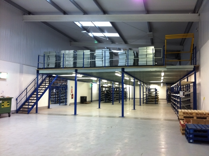 Warehouse storage mezzanine floors products spaceway for Steel mezzanine design